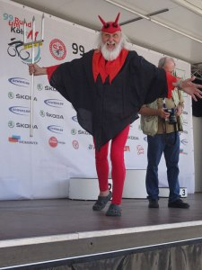 For those of you who follow bike racing; the infamous devil who was at a bike race in Cologne.