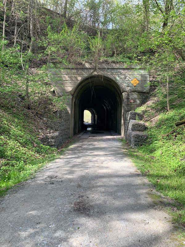 Stone-Tunnel